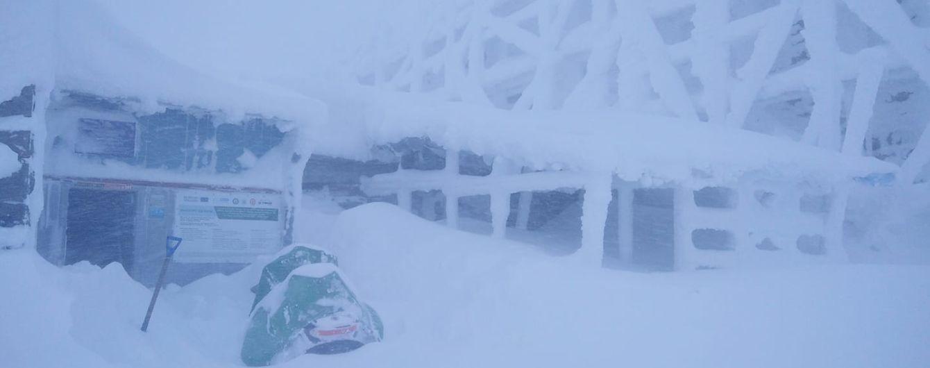 В Карпатах снега насыпало полметра, на севере уже ударили сильные морозы: что с погодой в регионах Украины