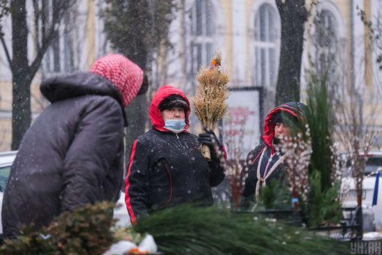 Підвищення пенсій: коли і на скільки українцям очікувати зростання