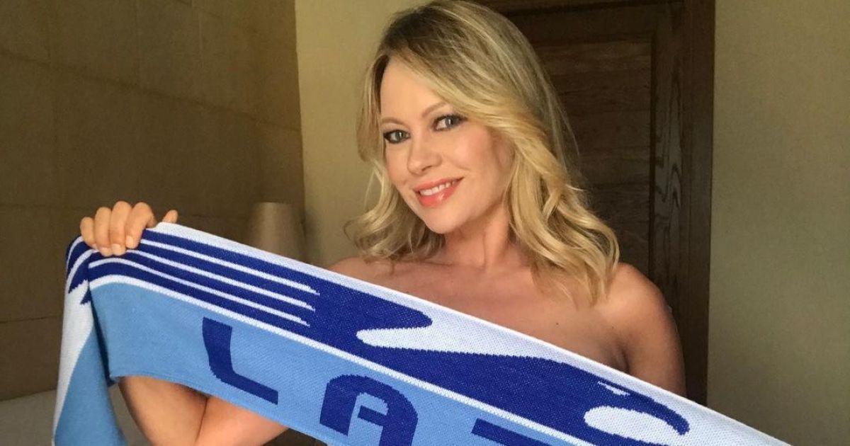 Італійська актриса пообіцяла оголитися в разі перемоги улюбленої команди: фанати з нетерпінням чекають на результат матчу