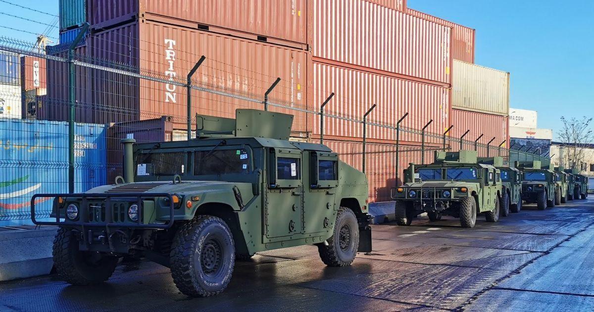 США передали для украинской армии два десятка американских HMMWV