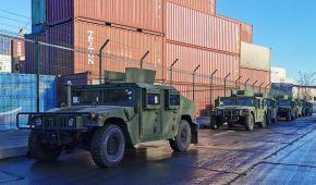 США передали для української армії два десятки американських HMMWV