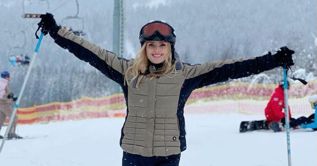 У шоломі і на лижах: Ірина Федишин відпочиває у Буковелі