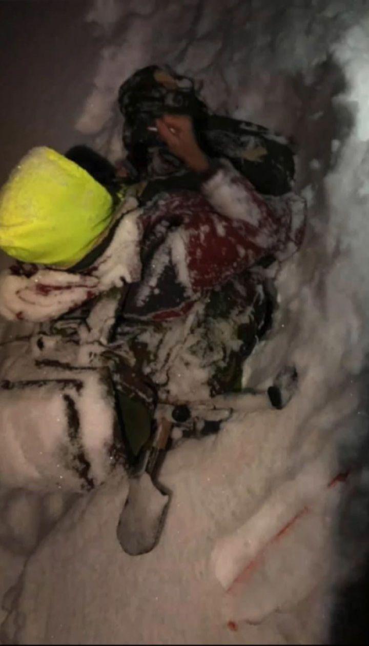 25-річного львів'янина, який заблукав у Карпатах, знайшли на території Румунії