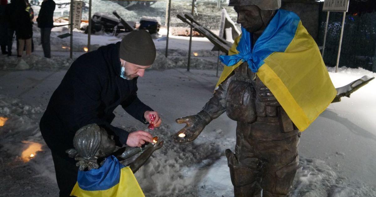 День памяти защитников Донецкого аэропорта: в Украине почтили память легендарных киборгов