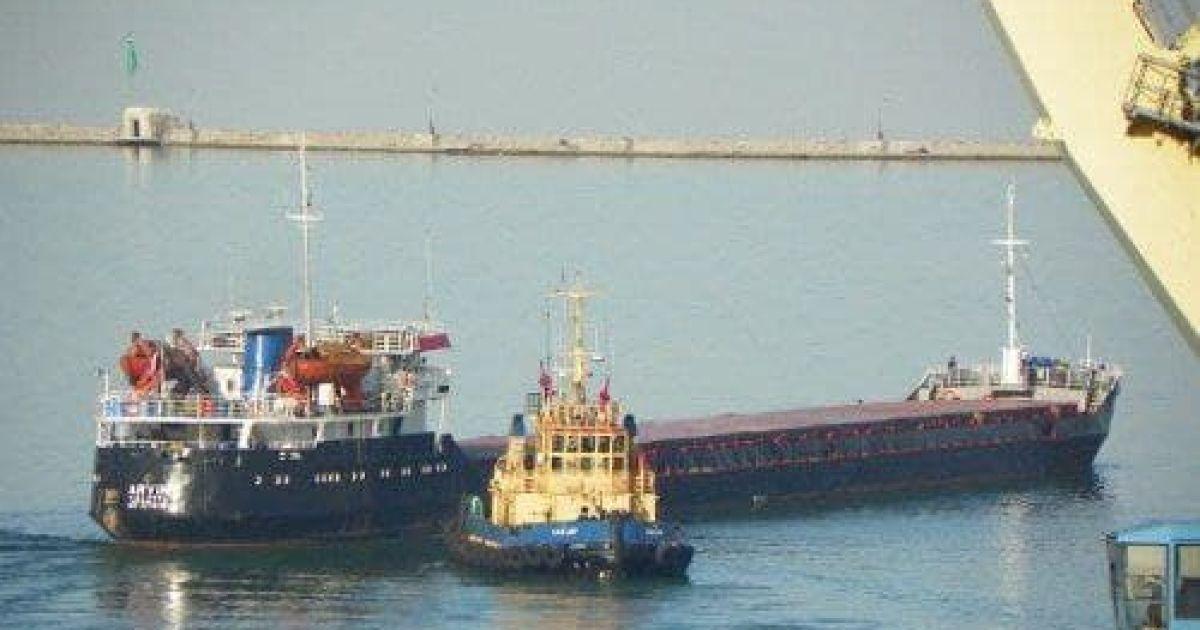 У Чорному морі біля берегів Туреччини затонув російський суховантаж: на борту було 12 людей