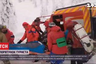 Порятунок туриста: львів'янина, який напередодні заблукав у горах, прооперували в опіковому центрі