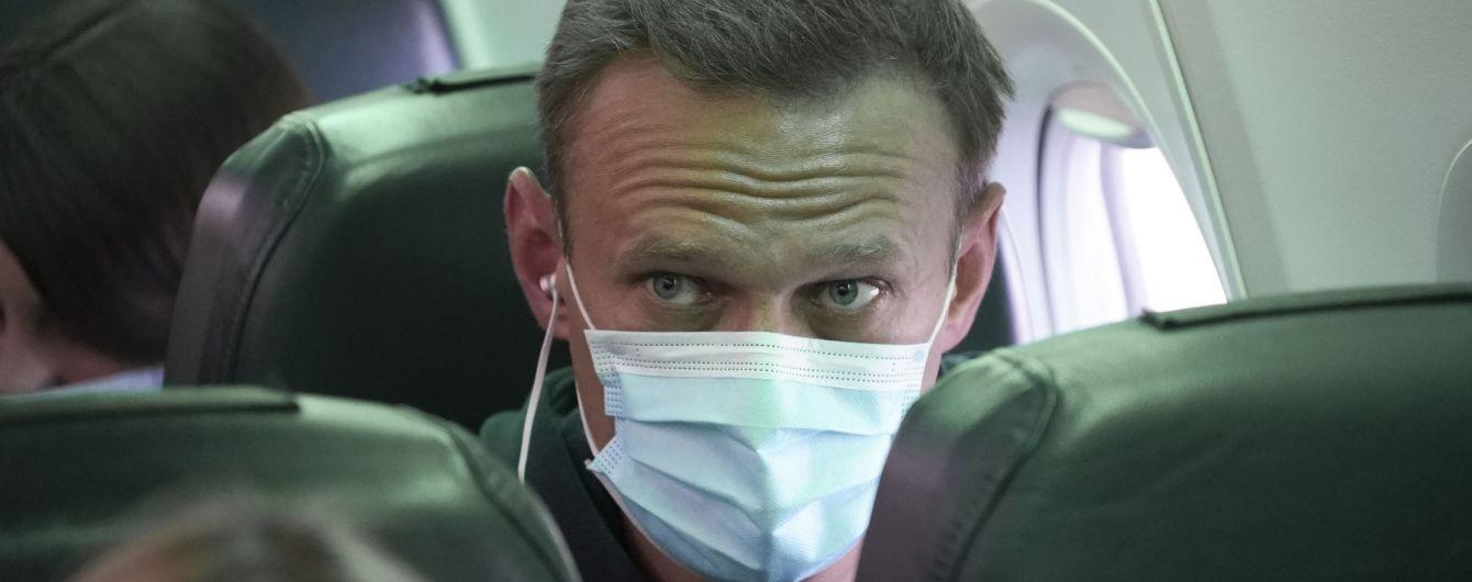 """Навальний """"про всяк випадок"""" заявив, що чинити самогубство у СІЗО не збирається (відео)"""