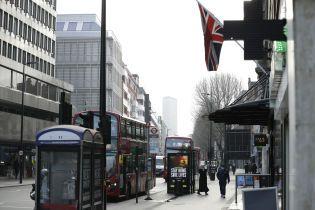 Рекорд з коронавірусу: у Великій Британії зафіксували найбільшу кількість летальних випадків у світі