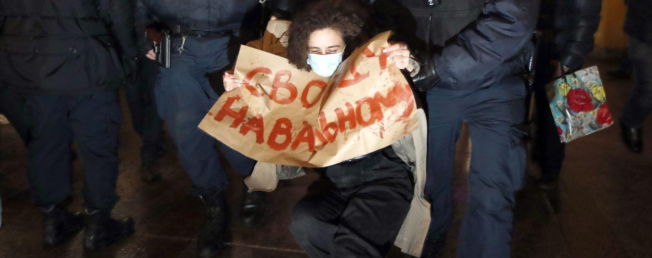После ареста Навального россияне вышли на митинги: силовики задерживают сторонников оппозиционера