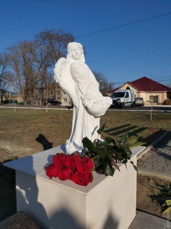 Даша Лук'яненкопам'ятник