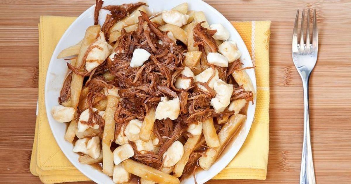 Блюдо с именем: жареный путин канадский с мясным соусом