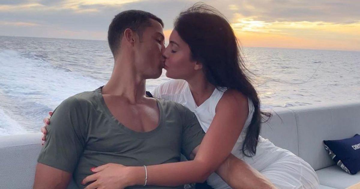 """""""Любовь всей моей жизни"""": Роналду посвятил Джорджине трогательный пост"""