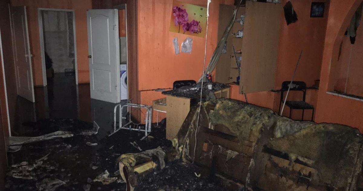Затримані у справі про пожежу у Харкові та гальмування в імпічменті Трампа. П'ять новин, які ви могли проспати