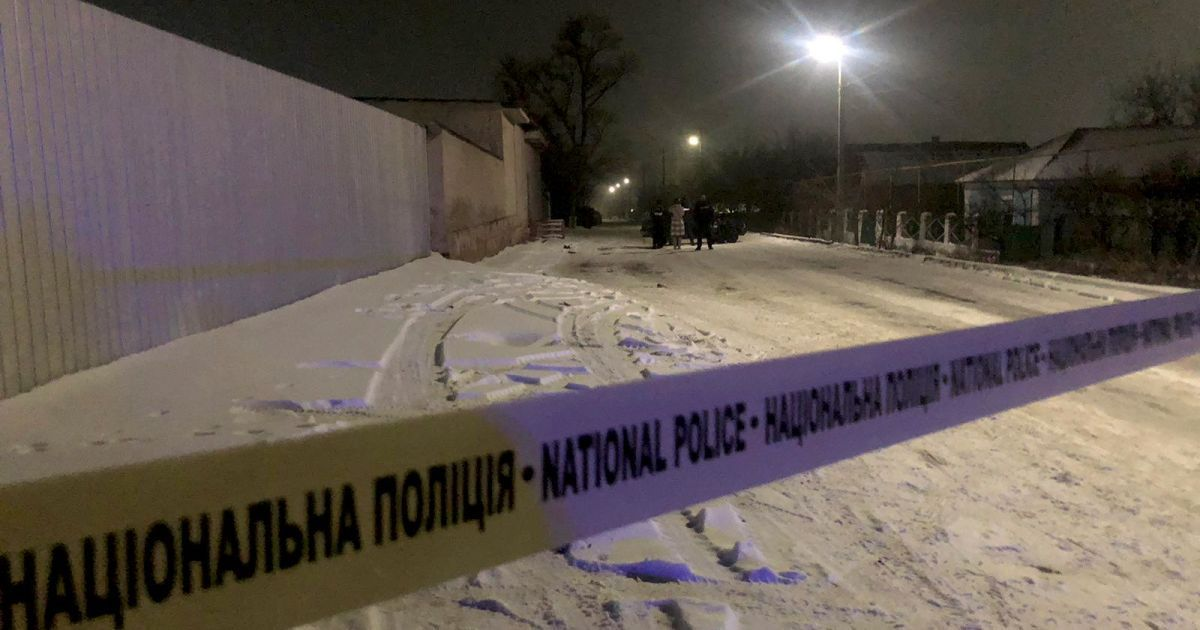 Ампутировал отцу нос и подстрелил нескольких копов: в Николаевской области брали штурмом дом подозреваемого
