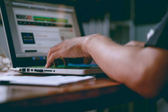 Представники IT-галузі критикують запропоновану Мінцифри форму працевлаштування IT-фахівців