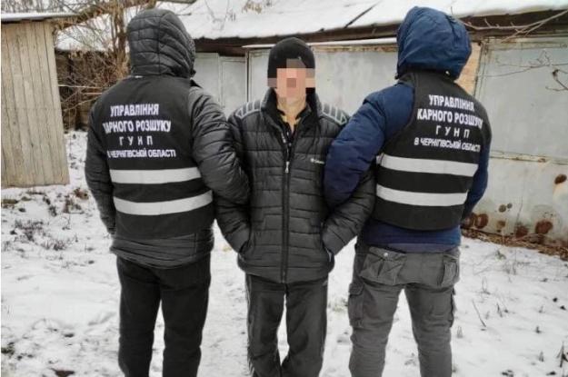 """В Черниговской области мужчина убил """"соперника"""" и сбросил тело в прорубь"""