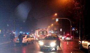 В Одессе на пешеходном переходе иномарка сбила мужчину и его беременную жену