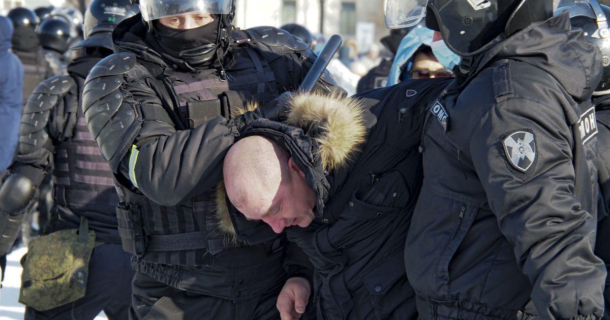 В Кремле впервые прокомментировали митинги за Навального: заявили, что на акциях протеста было мало людей