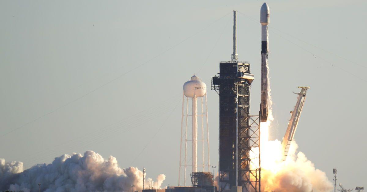 Украина хочет в декабре запустить собственный спутник в сотрудничестве с компанией Илона Маска SpaceX — Уруский