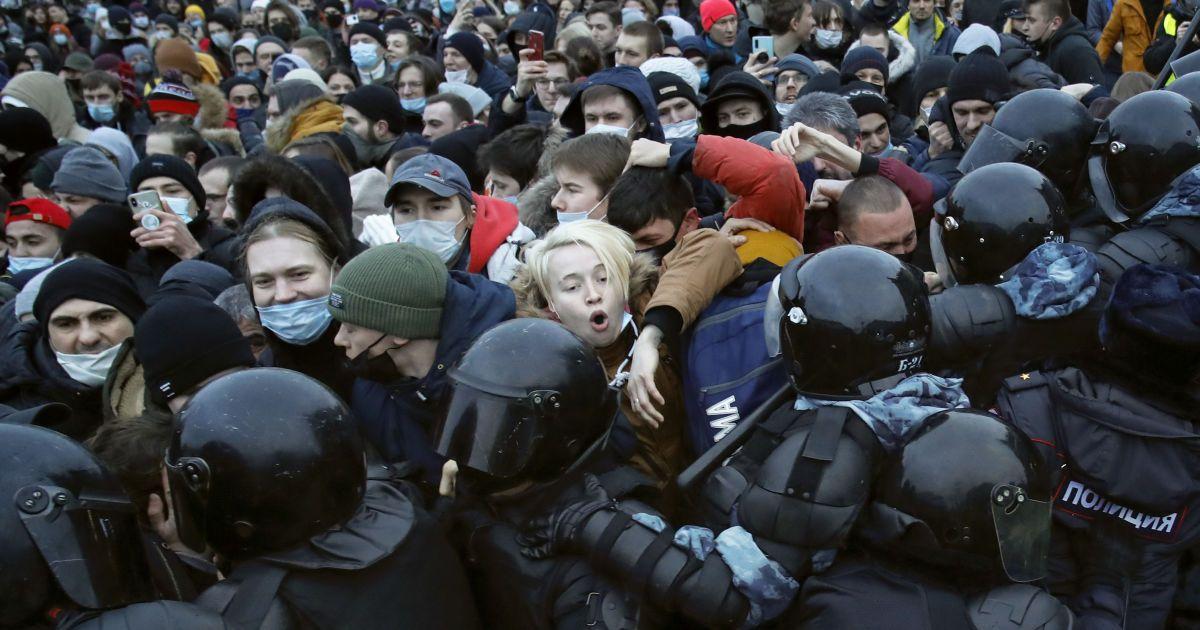 Мітинги за Навального в Росії: як соцмережа для підлітків стала новим інструментом політичної боротьби