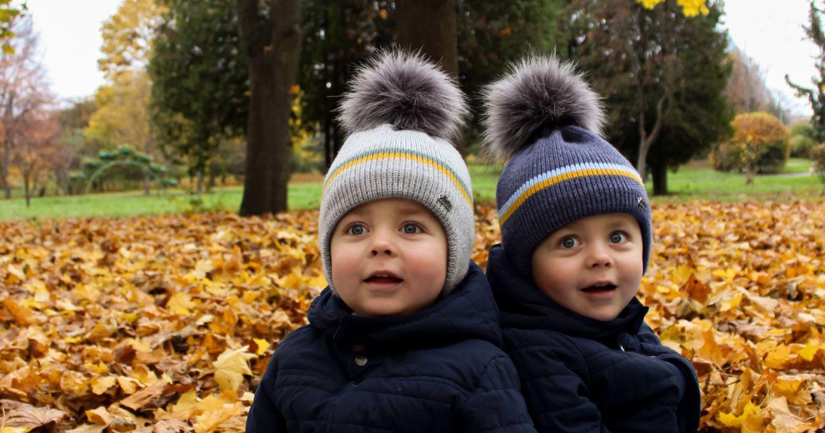 Двойняшки Паша и Петр родились с одним на двоих недостатком, которую теперь нужно исправлять