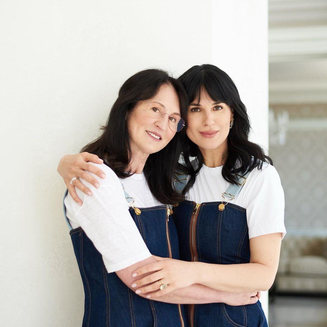Маша Єфросиніна з мамою_2