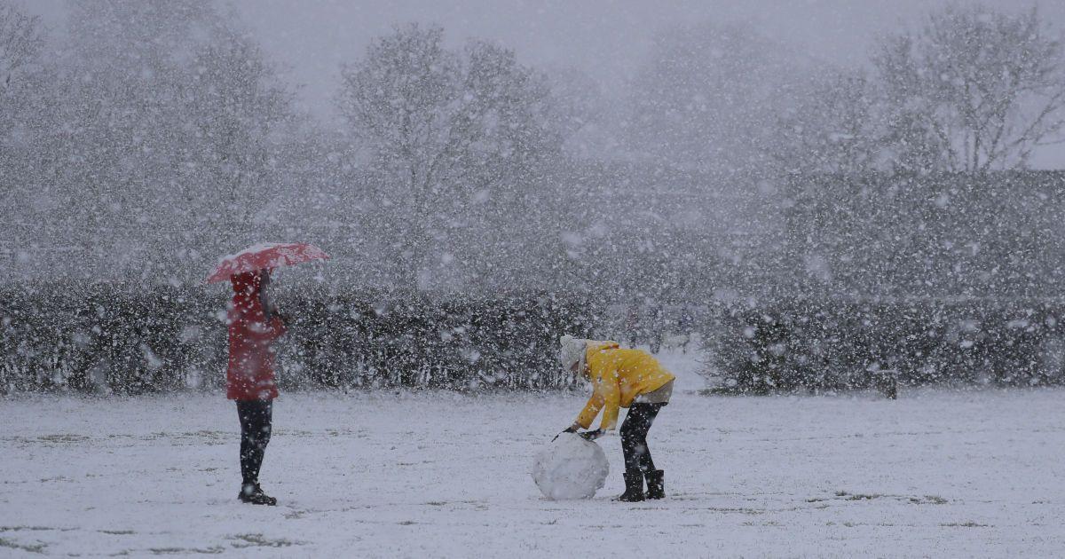 Прогноз погоды на 15 февраля: в Украину вместо метели пришли сильные морозы