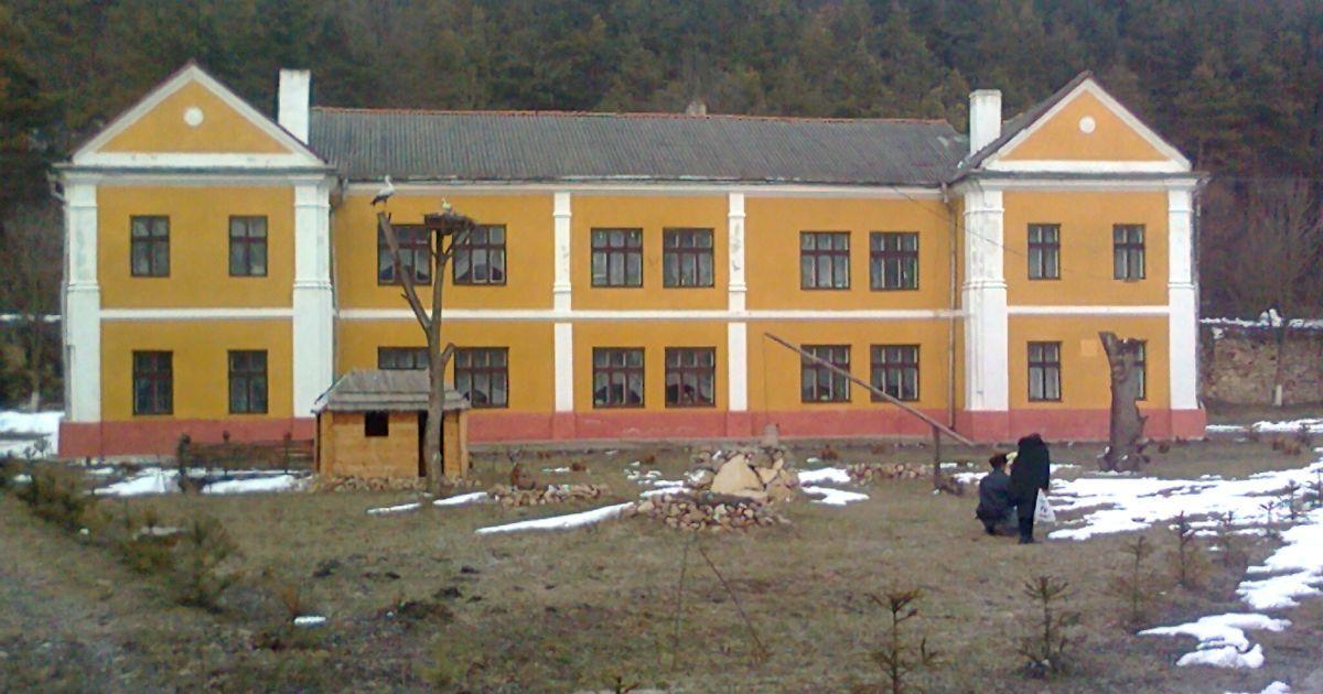 В Тернопольской области суд наказал мать, дочь которой 37 дней не ходила в школу