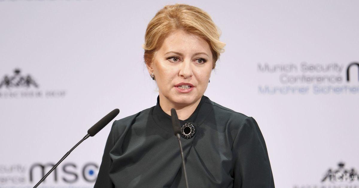 Lady in red: президент Словакии надела на деловую встречу красивое платье