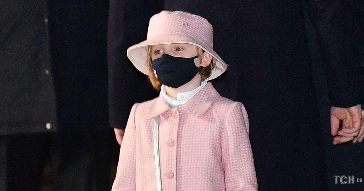 Маленька модниця: 6-річна монакська принцеса з'явилася на публіці з сумкою Dior, як у принцеси Діани
