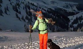 На Закарпатье нашли в горах заблудившуюся сноубордистку: фото