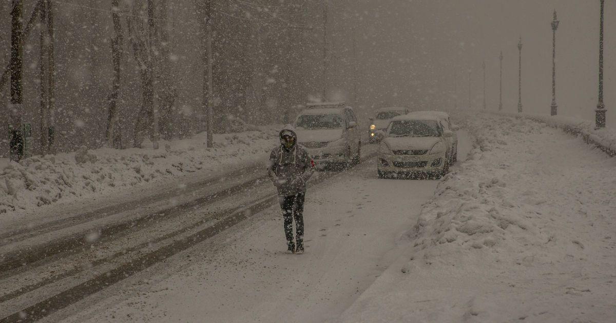 Негода в Одеській області: майже пів сотні населених пунктів залишилися без світла