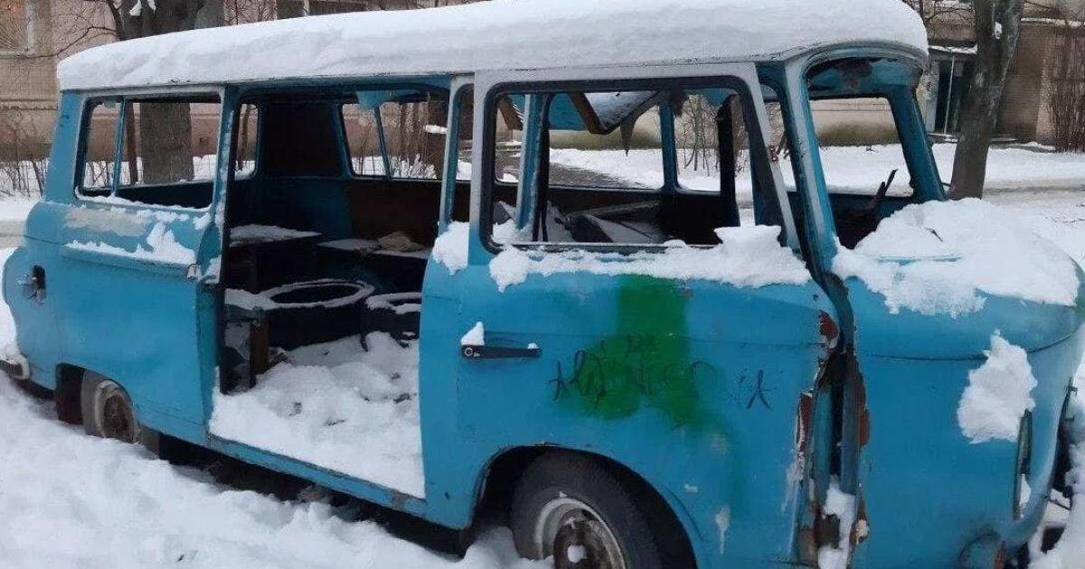 В полиции Киева озвучили причину смерти индуса-дворника, тело которого нашли в заброшенном авто