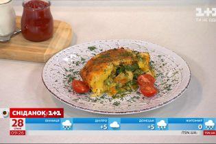 Руслан Сенічкін готує овочеву запіканку з заморожених овочів