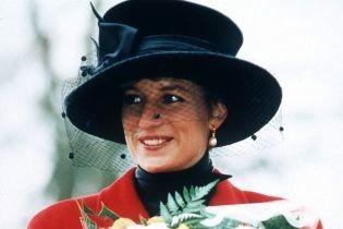"""Крістен Стюарт в ролі Діани: образи принцеси Уельської, які глядач може побачити у фільмі """"Спенсер"""""""