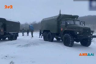 В Одеській області через сніг заборонили виїжджати на дороги: снігопад заблокував рух Одеською трасою