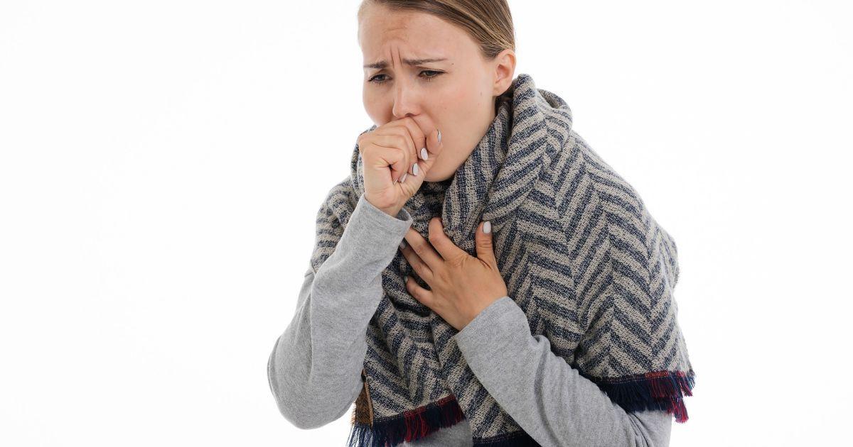 Людям с симптомами ОРВИ нужно сдавать тест на коронавирус — Минздрав
