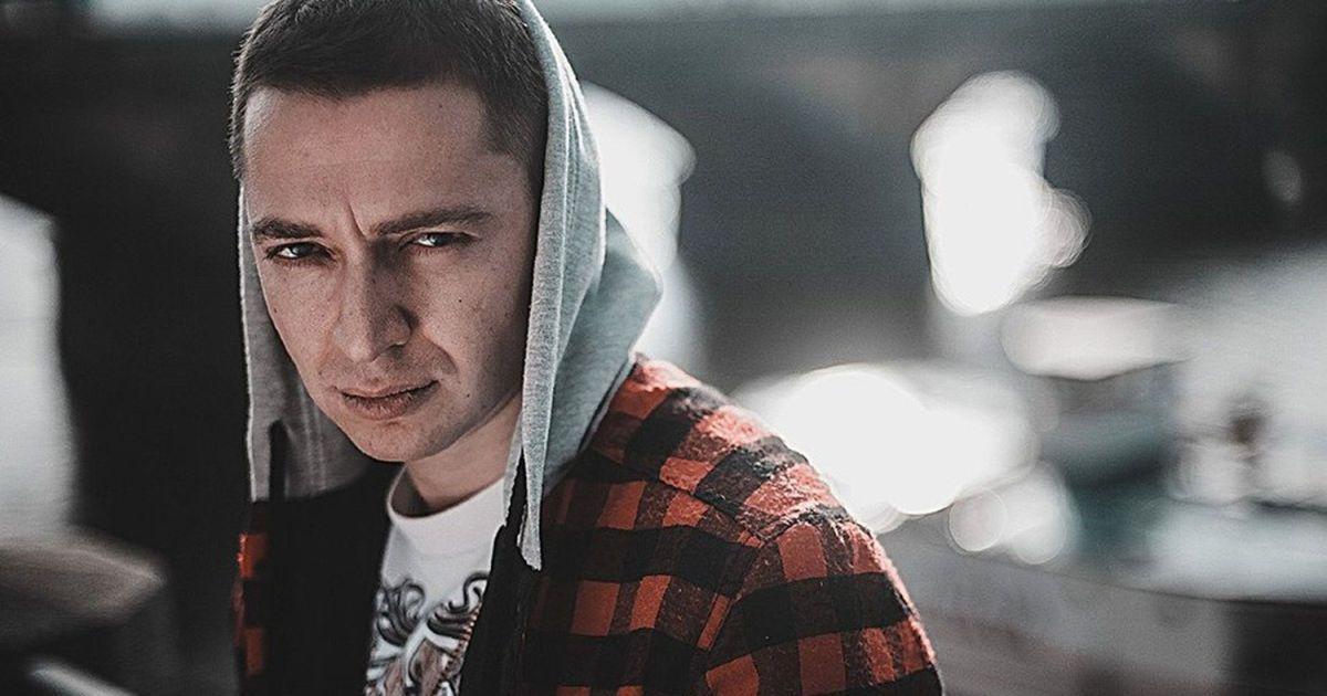 У Петербурзі затримали відомого репера Оксімірона на акції протесту за Навального