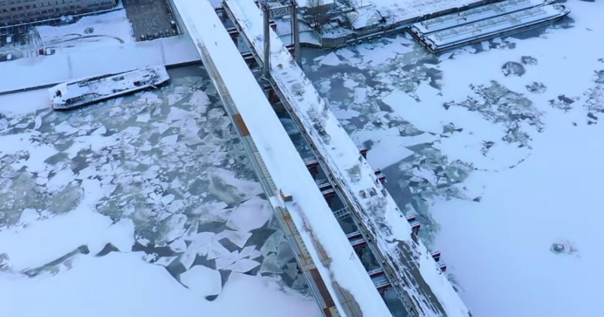Появилось впечатляющее видео возведения Подольско-Воскресенского моста с высоты птичьего полета