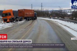 В Сумской области легковушка столкнулась с микроавтобусом - один человек в тяжелом состоянии