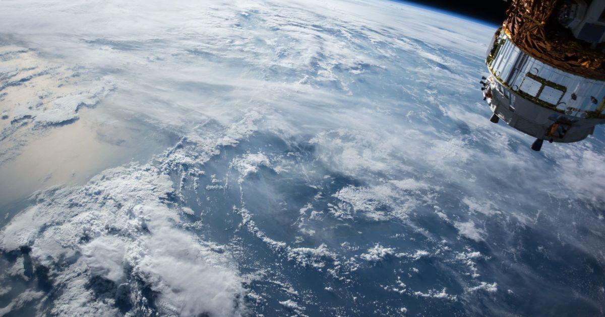 Український супутник у космос може запустити компанія Ілона Маска: коли це станеться і навіщо він потрібен