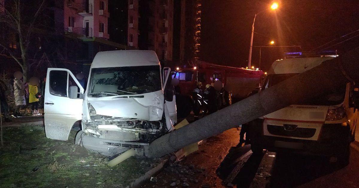 """Тиждень """"у бігах"""": у Запоріжжі водій маршрутки, який спричинив ДТП, здався поліції"""