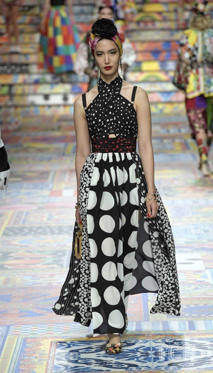Коллекция Dolce & Gabbana прет-а-порте сезона весна-лето 2021 @ East News