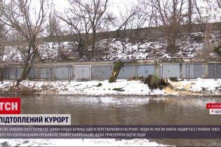 Затоплены улицы Одессы: удалось ли коммунальщикам ликвидировать последствия потепления
