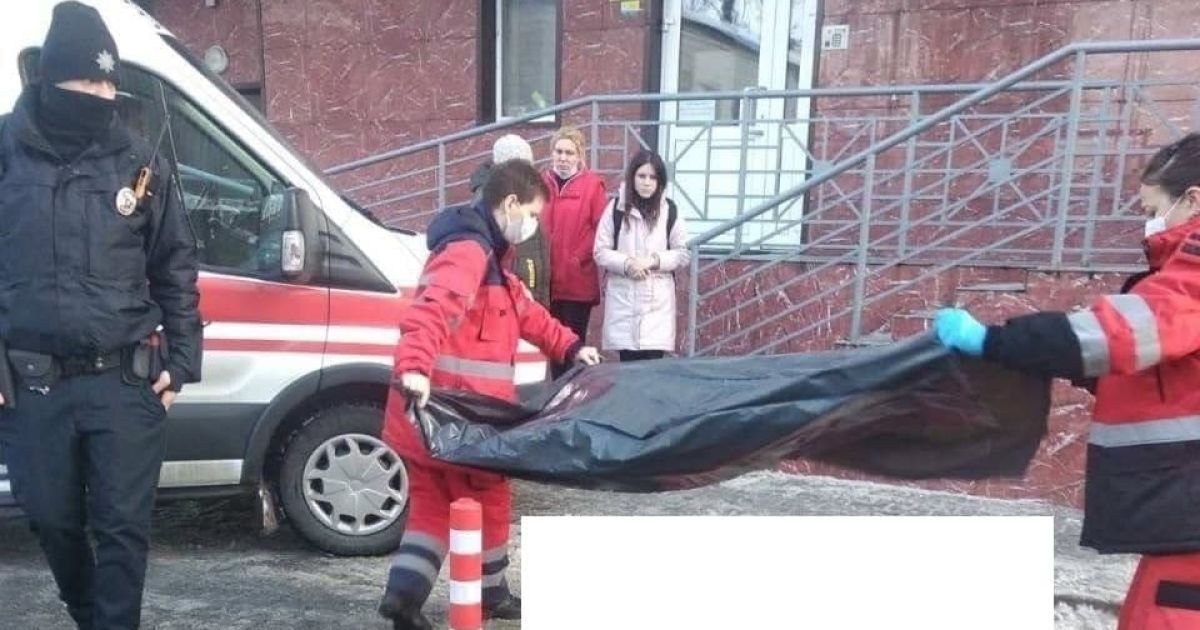 В Киеве 13-летняя девочка выпала с балкона 17-го этажа
