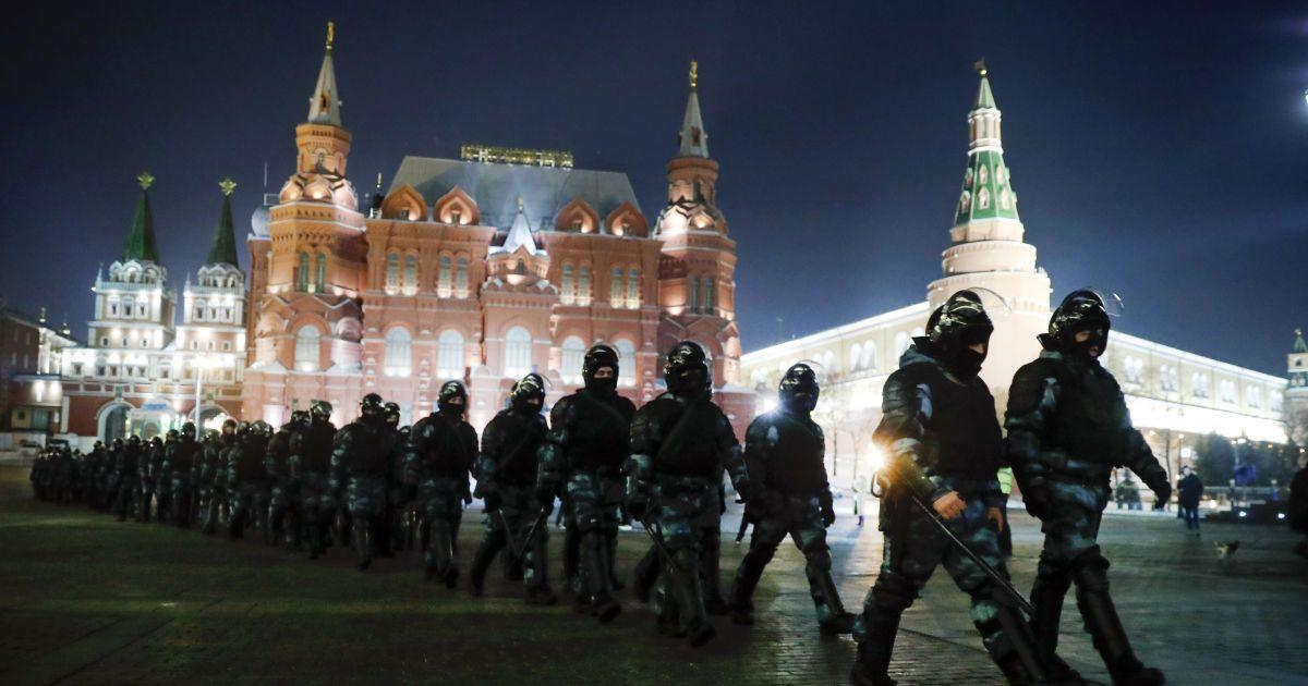 В России во время протестов в поддержку Навального задержали более 1,3 тыс. человек: что известно