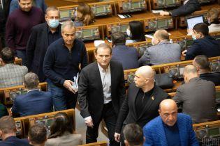 """На сайті ВСУ з'явилися позови про оскарження закриття """"каналів Медведчука"""": медіа це заперечують"""