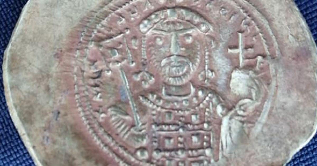У Болгарії на руїнах стародавнього міста знайшли золоті візантійські монети
