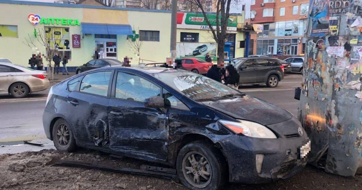 Сів за руль нетверезий і не маючи прав: в Одесі затримали водія, який влаштував ДТП і збив дітей (відео)