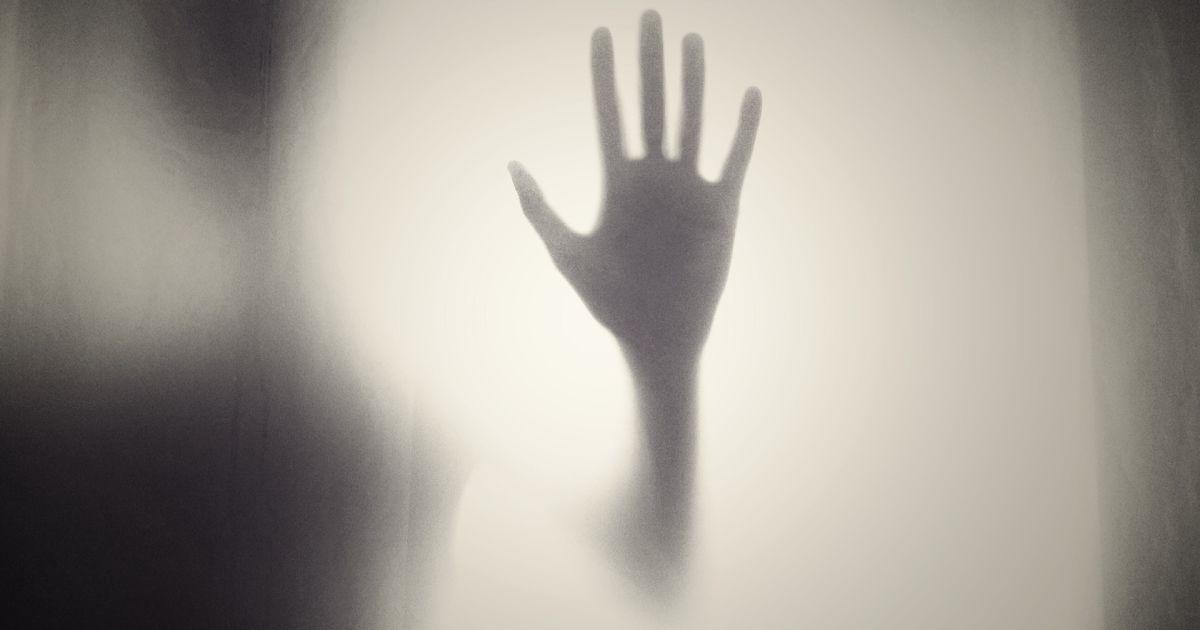 Мать лишена прав, а отец запил: история мальчика из Кривого Рога, который прыгнул с пятого этажа